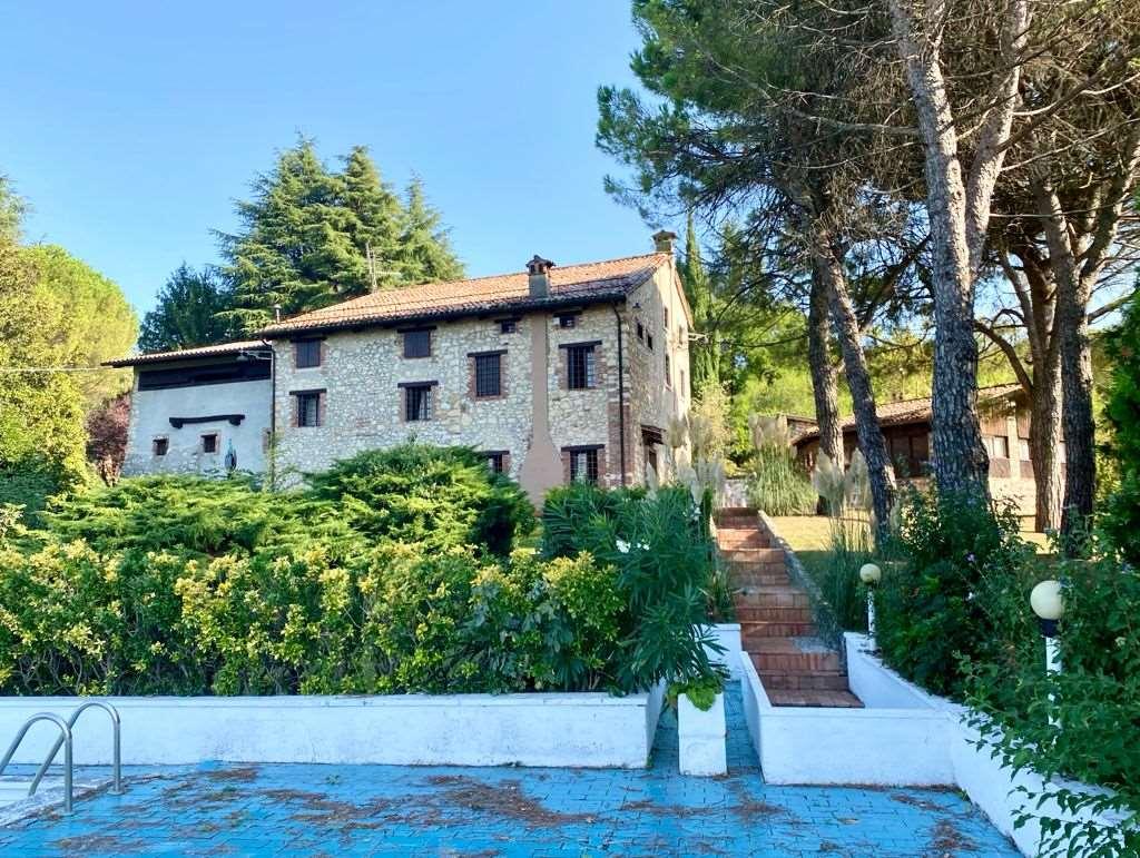 Casa singola con piscina